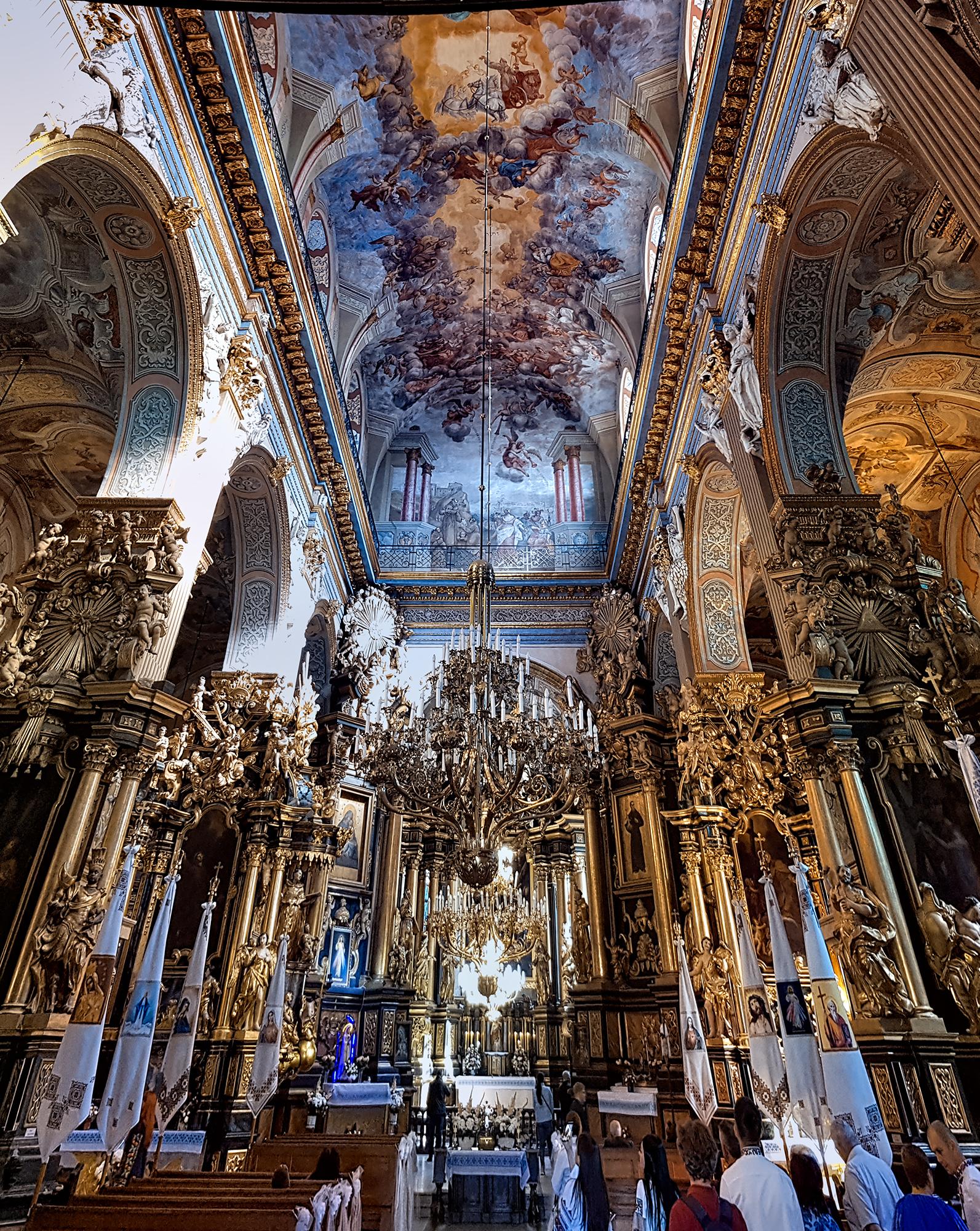 lviv-churchofstandrew-interior-pano-2019-09-22-©adrianstorey