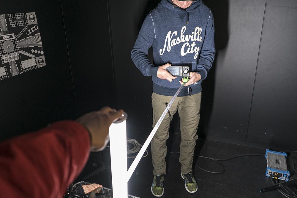 Matt Allard testing the Pergear MTL900 Pro light ©Uchujin-AdrianStorey2016